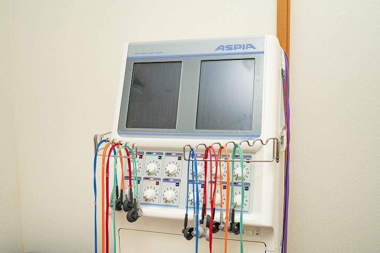 複合電気刺激治療器